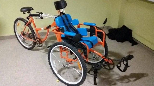 Joven tucumano invent una bicicleta para personas con - Sillas para bicicletas para ninos ...
