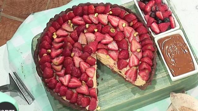 a88d4161a79 Tarta de frutillas con masa de chocolate - Morfi, todos a la mesa ...