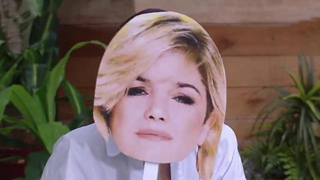 231285905bafa Flor Torrente se puso en la piel de Araceli González - Cortá por Lozano -  telefe.com
